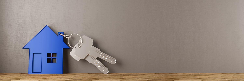 keys with a blue house keyring